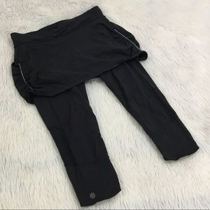 Athleta black skirt crop yoga fitness leggings